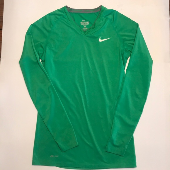 sustantivo polilla Retirarse  Nike Tops   Nike Pro Combat Long Sleeve Workout Shirt Green   Poshmark